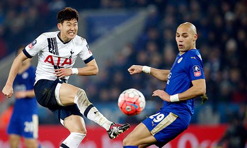 Son Heung-min (áo trắng) tỏa sáng giúp Tottenham vượt qua Leicester, giành vé đi tiếp tại Cup FA. Ảnh: Reuters.