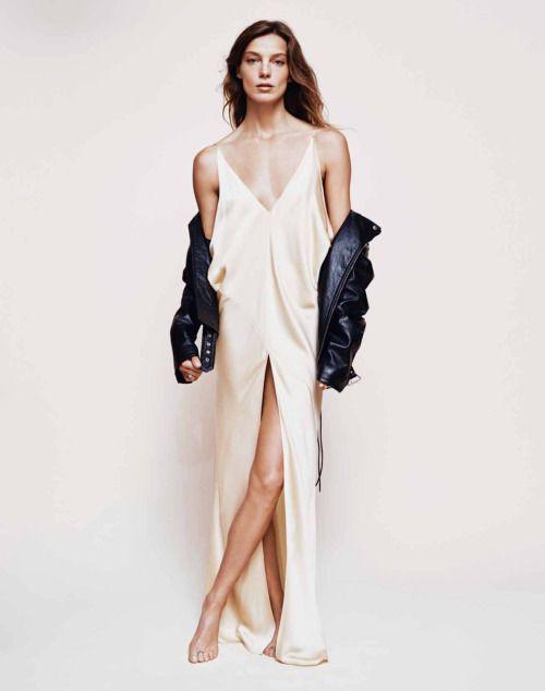 Chất như fashionista mặc váy 2 dây