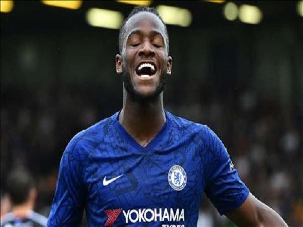 Batshuayi chính thức cam kết tương lai tại Chelsea