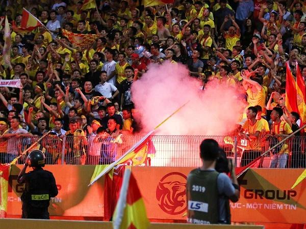 Hà Nội FC bị phạt tiền và thi đấu hai trận không khán giả