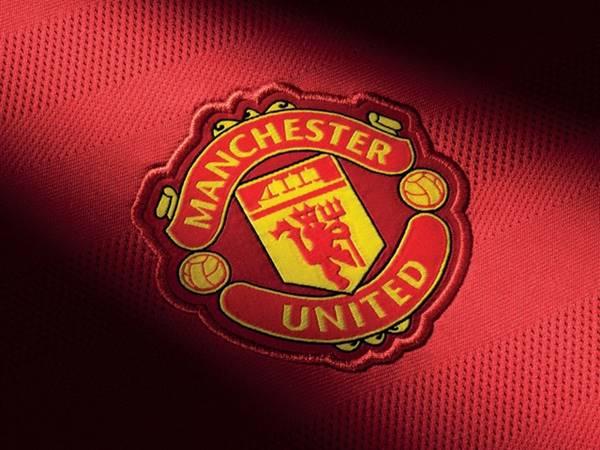 Logo Manchester United có ý nghĩa như thế nào qua các thời kỳ?